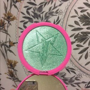 Jeffree Star Mint Condition Skin Frost